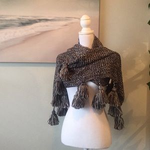 Other - Lulla Collection By Bindya Tassel knit Scarf